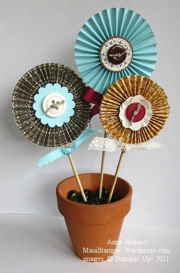 Spice Cake Flowers
