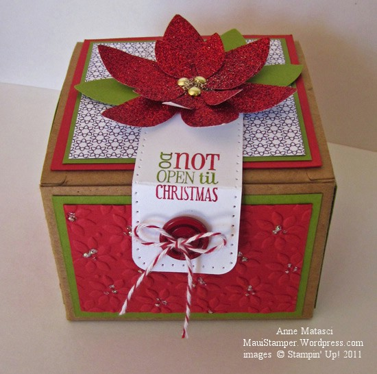 Glimmer Poinsetta Gift Box