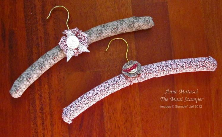 Maui Stamper Deck the Halls with Beautiful Hangers