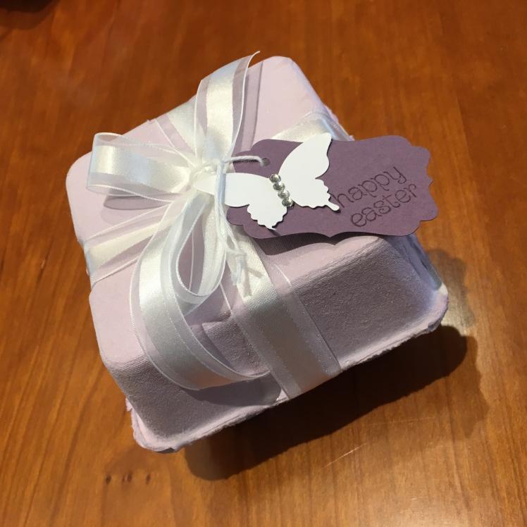 Maui Stamper Mini Egg Cartons