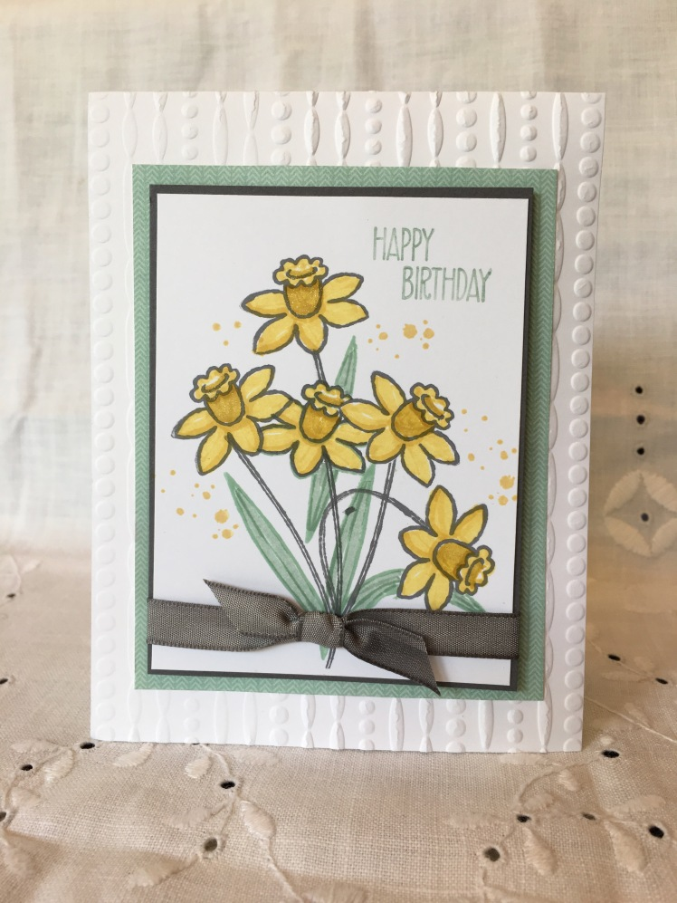 Maui Stamper Basket Bunch Daffodil